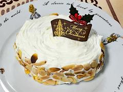 自作バウムクーヘンでクリスマスケーキ