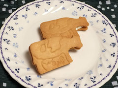 ラ フェ ミュルミュールの焼き菓子